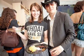 Megan Berry en SXSW presentando Klout al estilo de Texas